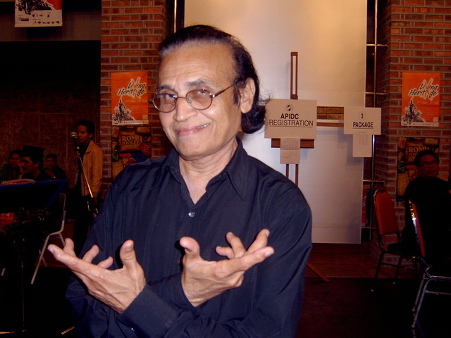 Dr Sunil Kothari in Kuala Lumpur 2005, at the Asia-Pacific International Dance Conference. Photo: Julie Dyson