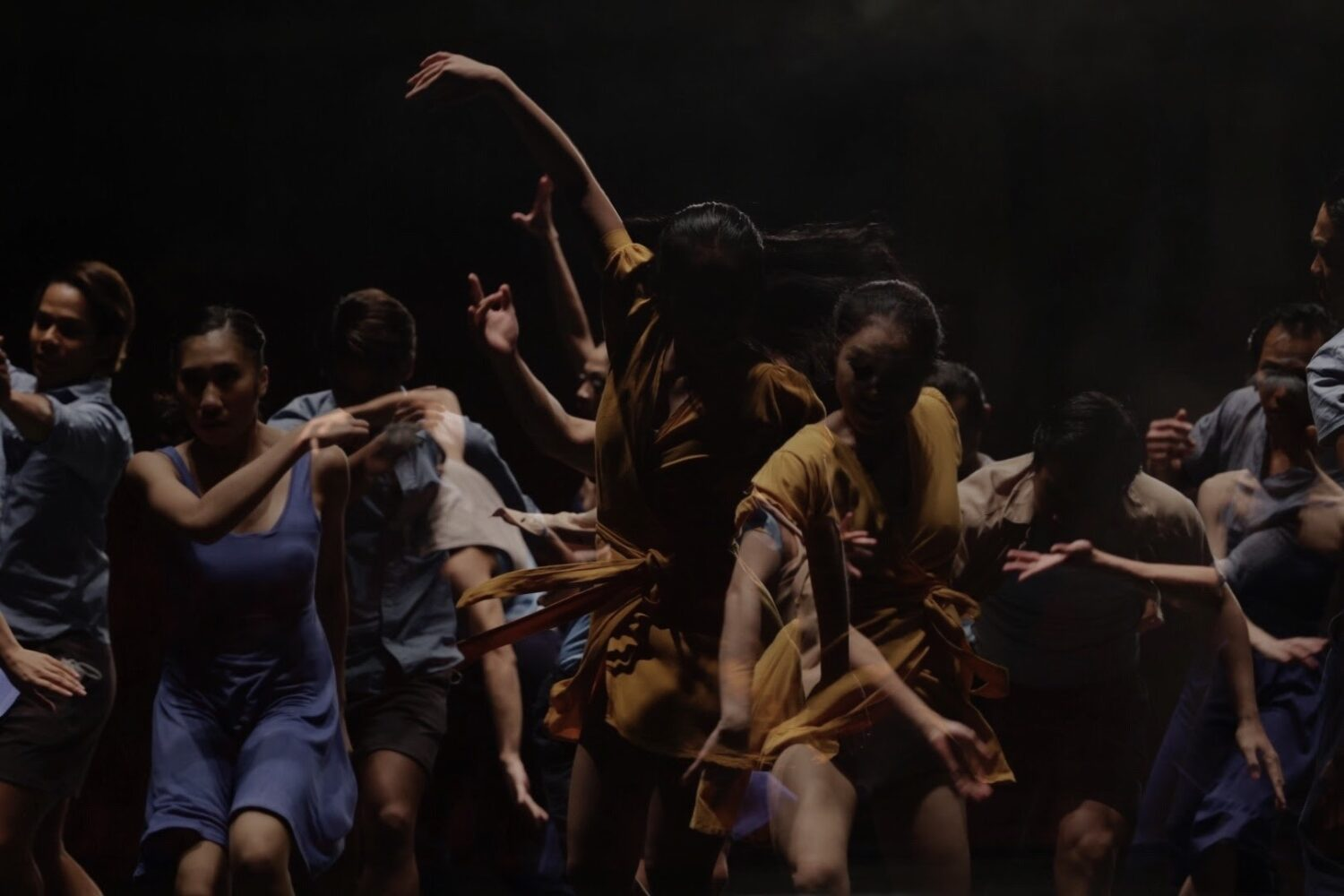 A still from Kabaligtaran ng Gunaw, a dance  film choreographed by Ronelson Yadao, directed  by Jerrold Tarog, in the  Philippines. Photo: Pong Ignacio.